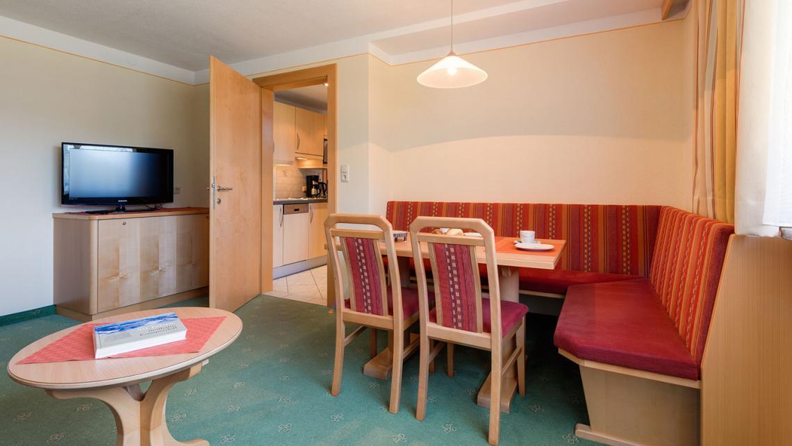 appartement a 02 wohnzimmer